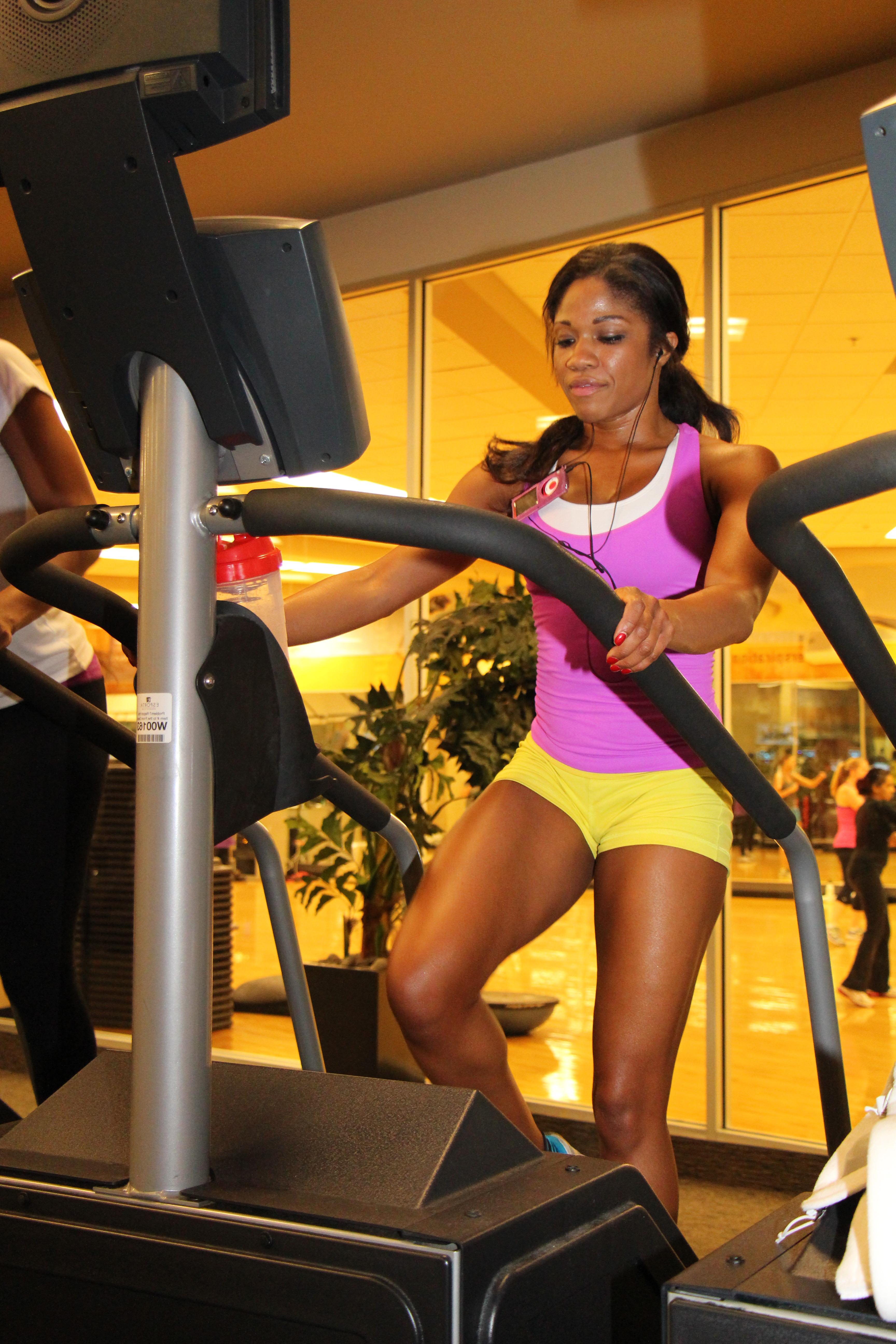 Denita-at-LA-Fitness-using-stairmaster