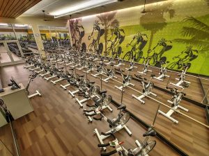 la fitness cycle room, la fitness spin, la fitness group fitness room