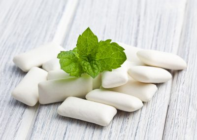 mint leaves, chewing gum