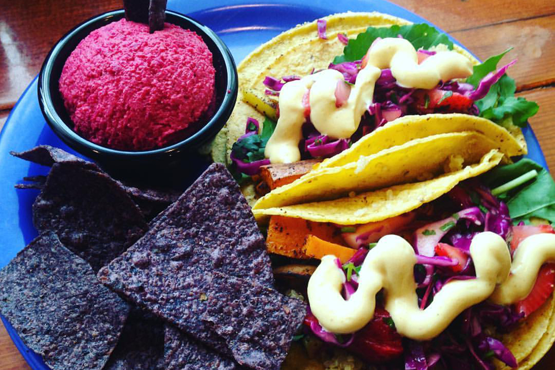 LAF, LA Fitness, LA Fitness recipes. Living Healthy recipes, healthy eating, vegan friendly foods, healthy vegan foods, vegetarian food options, taco recipe, healthy taco recipe, taco Tuesday, The Wild Cow, Chef Ryan Toll